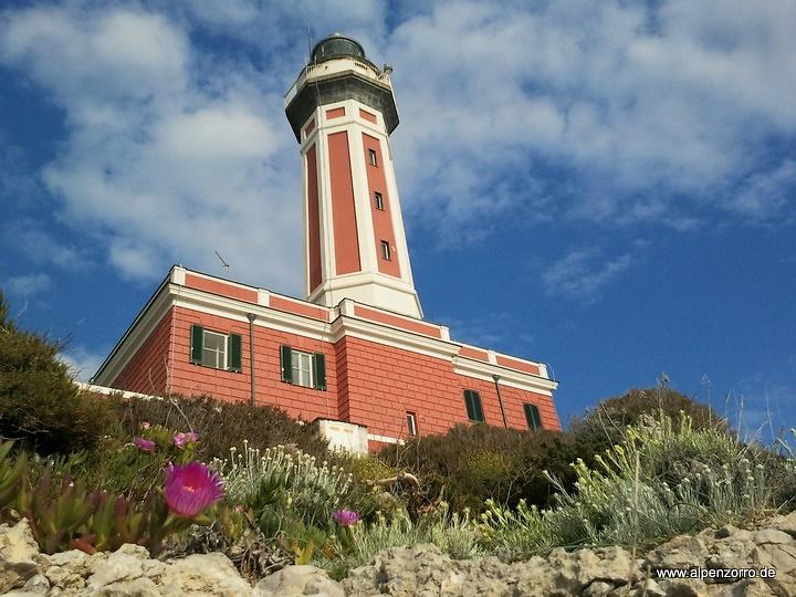capri-lighthouse2.jpg